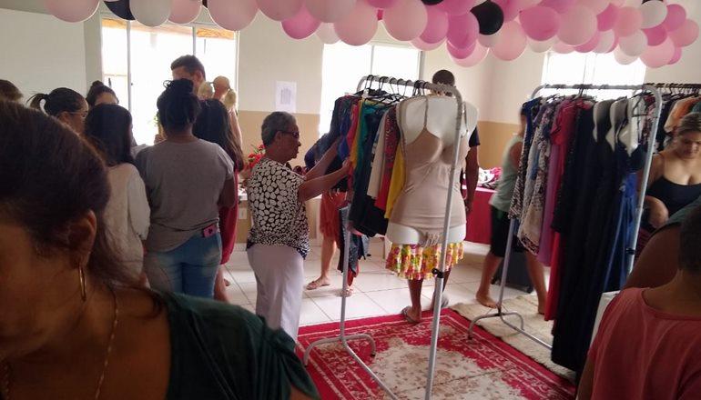 Foi realizada a 1ª Feira do Desapego entre moradores do Condomínio Caraípe, em Teixeira de Freitas