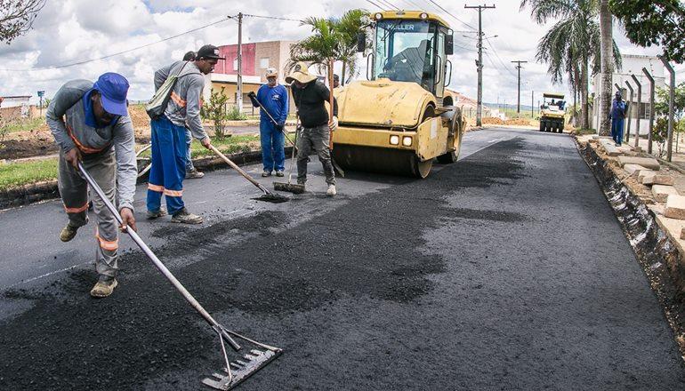Asfaltamento do bairro Mirante do Rio que dá acesso a Fasb está sendo finalizado