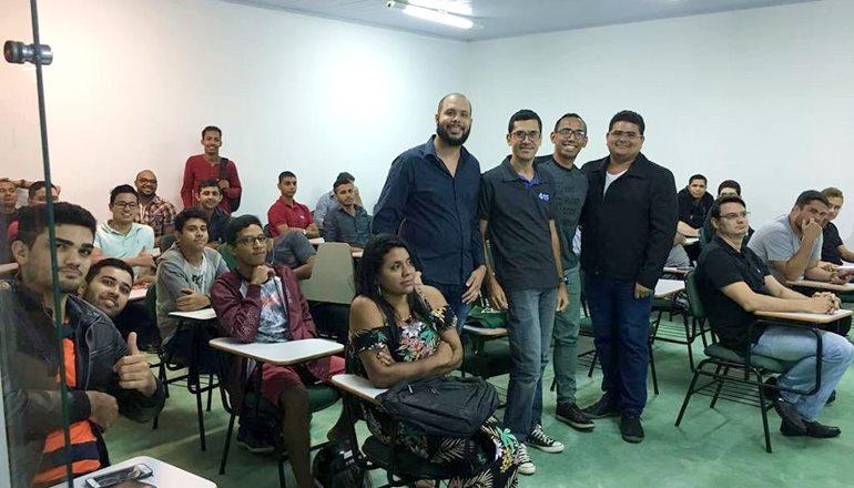 Estudantes de computação promovem evento inédito de tecnologia em Teixeira de Freitas