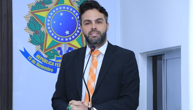 Jonathan Molar recebe retorno do Município ao seu ofício propondo suspensão de pagamento do IPTU por parte de residenciais populares