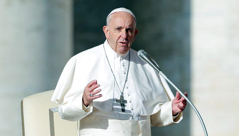 Papa aprova oficialmente mudança na oração do Pai Nosso
