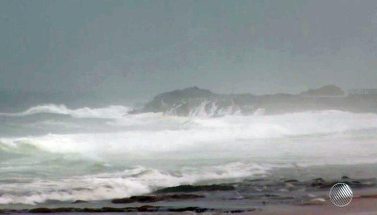 Efeitos de ciclone em formação podem chegar ao extremo sul da Bahia