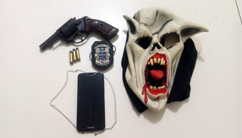 Polícia Civil do Prado prende indivíduo por posse ilegal de armas e roubo de motocicleta