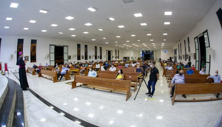 Encontro Fé e Política foi realizado na Diocese em Teixeira de Freitas