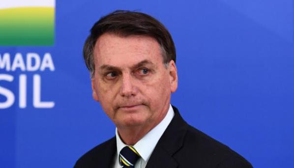 Bolsonaro diz que acionará STF sobre valor do ICMS de combustíveis