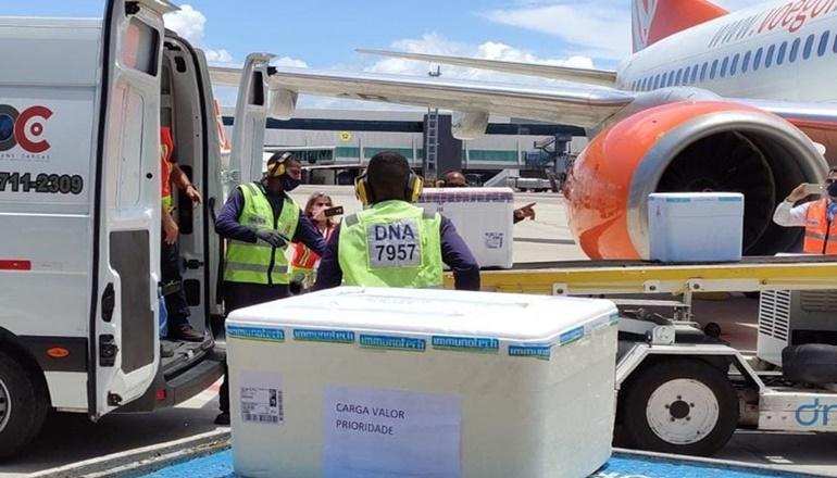 Bahia recebe 129 mil doses da vacina de Oxford