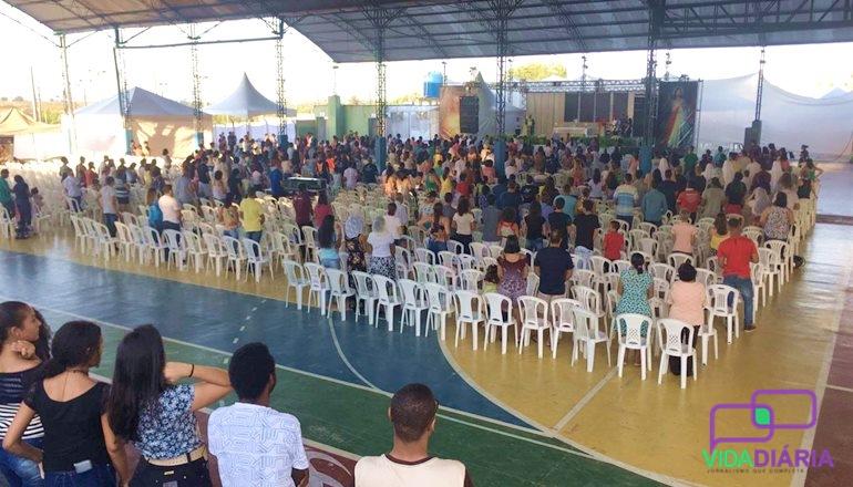 Iniciou o Rebanhão de Carnaval com missa e arrastão com os jovens neste sábado em Teixeira de Freitas
